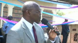 Governor opens classrooms at Mogumo school
