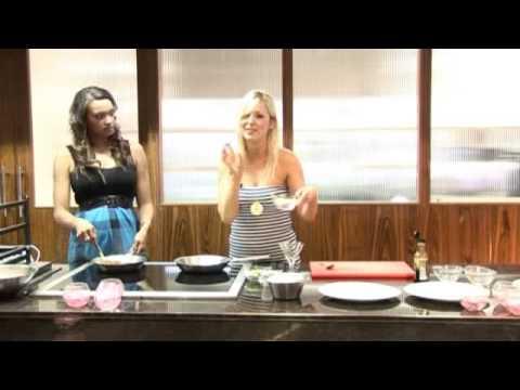KorinNolan & Sasha Parker - Chilli Beef Rice