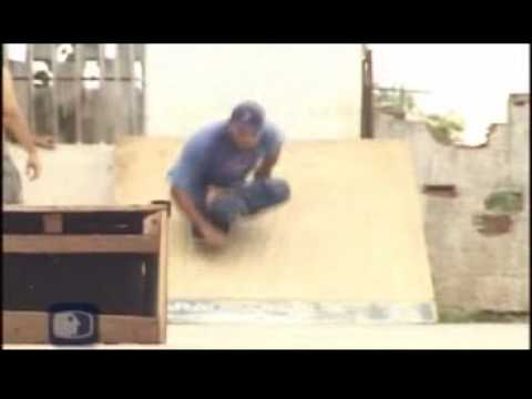 Og de Souza (Skates only with his hands)