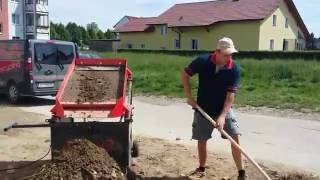 LS12 Erde sieben / Screening of Soil