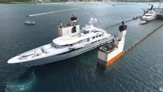 別擔心,這艘船並不是被海水淹沒...而是在迎接它的客人。