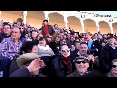 """Cospedal asiste al Festival Taurino a beneficio del """"Cotolengo"""" y Cáritas Española"""