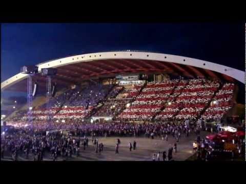 Bon Jovi UDINE / We Weren't Born To Follow Live% - US and Italian Flags (Open Air Tour 2011)