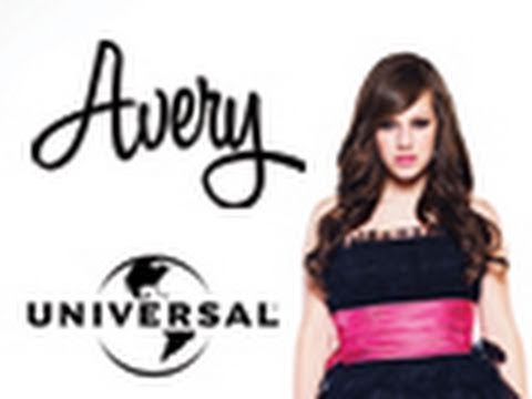 Avery signs record deal with Universal Records!