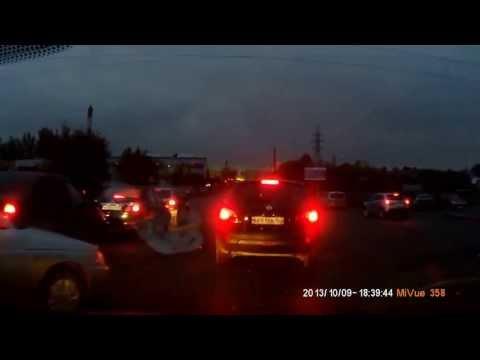 На улице Красных Зорь в Выксе столкнулись 4 авто