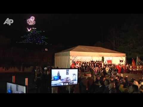 Raw Video: Pope Lights -Tree- Using Computer