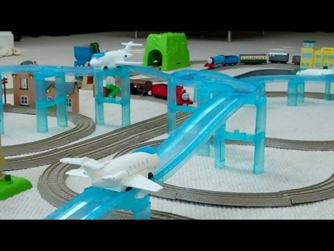 Thomas The Tank Engine Thomas and Friends Trackmaster SODOR AIRPORT TRAIN SET