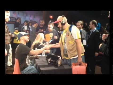"WWE ACTION INSIDER: Autographs Ringsidefest 2012 CMpunk, SinCara, AJ, ""grims toy show"" funny"