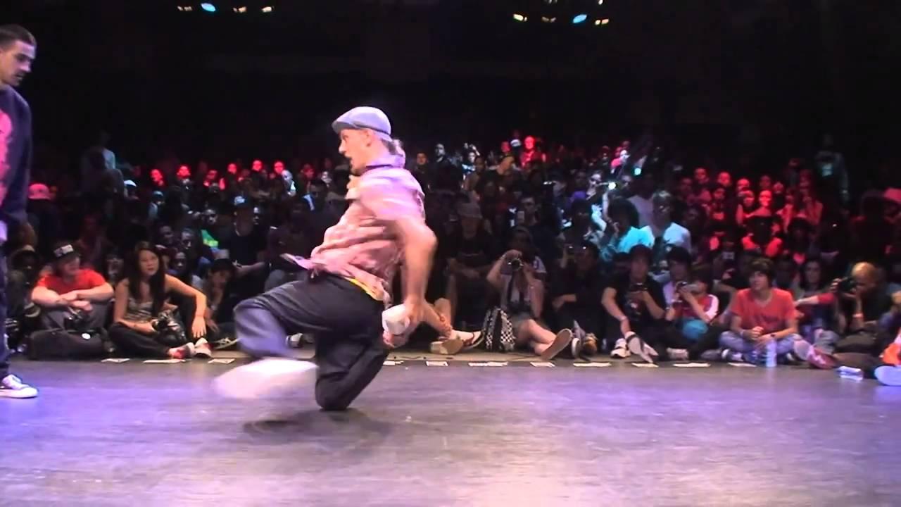 WORLD BBOY CLASSIC 2010 Pluto & Yan vs Keebz & Thesis