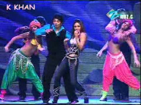 muja muja stage kareena  hQ song by kamran khan from sakhakot (K.M).mpg