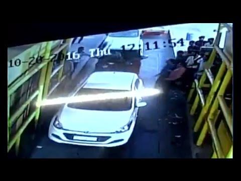 Speed News: Unidentified goons vandalise toll plaza in Noida