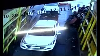 Speed News: Unidentified goons vandalise toll plaza in Noida