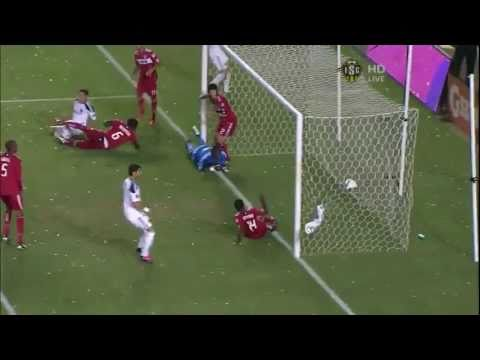 David Beckham scores goal off of a corner kick
