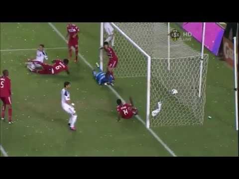 David Beckham scores goal off of a corner kick