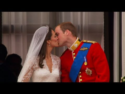 William and Kate Kiss on the Balcony - The Royal Wedding - BBC