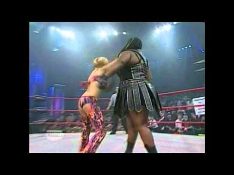 BP History #3 || Velvet Sky vs Awesome Kong