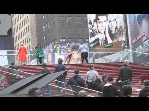 Lea Michele, Dianna Agron and GLEE Ladies Film in Times Square!