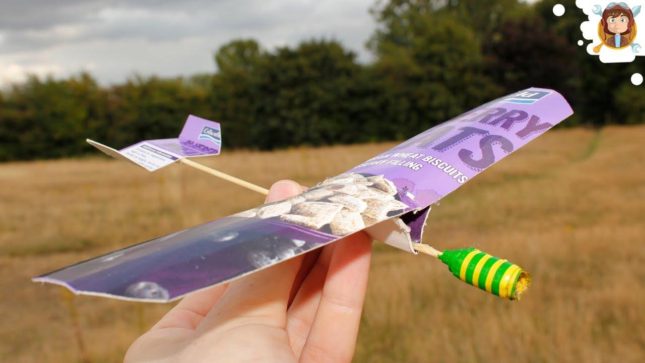 Летающий самолёт из картона своими руками