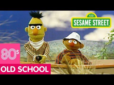 Sesame Street: Bert and Ernie Fish Call