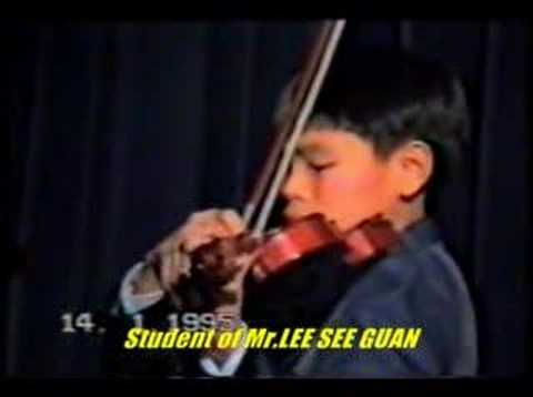 Violin Joy Of Spring 新春乐 FUNG CHERN HWEI  age 11 ( Malaysian violinist )