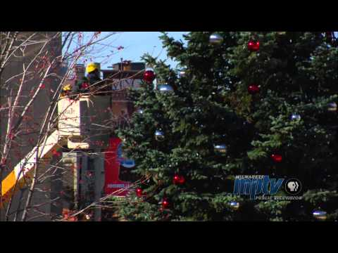 100 Years of the Milwaukee Christmas Tree | Ange Niestuchowski, Tree Decorator for the City