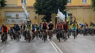 Сотни велосипедистов Житомира приехали на Велодень-2014