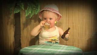 Baby trashes bar in Las Palmas