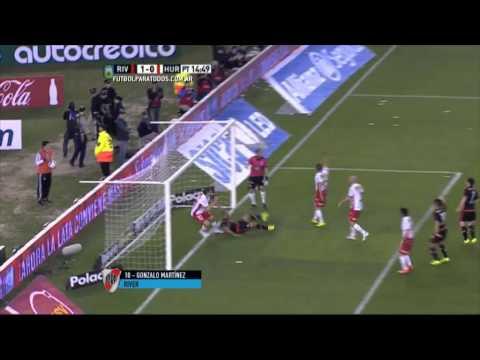 Con gol de Pity Martínez, River le gana a Huracán
