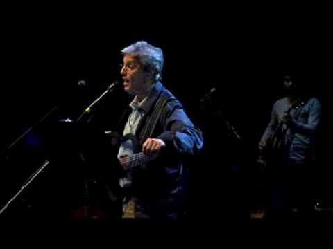 Caetano toca música inédita Falso Leblon