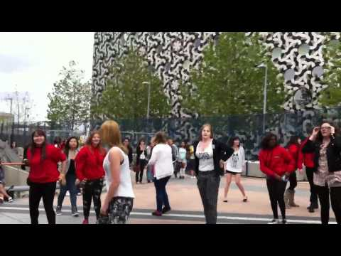 MBC Kpop Flash Mob at London O2 Arena