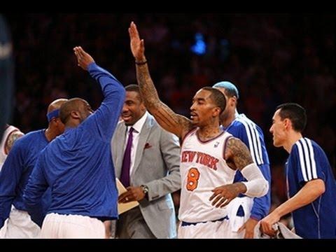 J.R. Smith Closes the First Quarter with the Buzzer-Beater