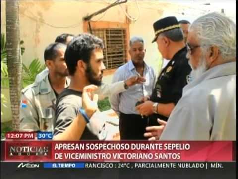 Apresan hombre con perfil dudoso en velatorio de viceministro Victoriano Santos