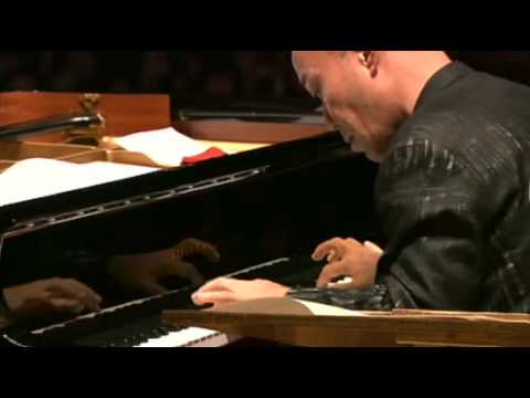 久石讓Joe hisaishi Live - One Summer's Day (from Spirited Away)