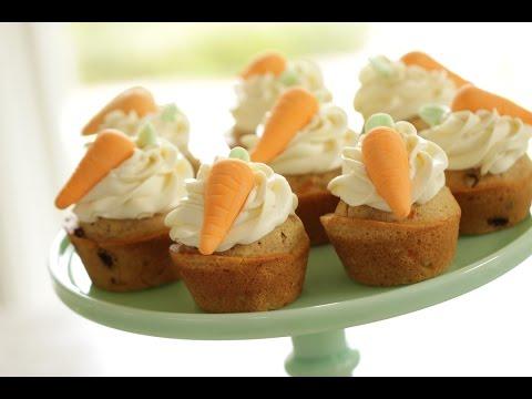 Beth's Carrot Cake Cupcake Recipe | ENTERTAINING WITH BETH
