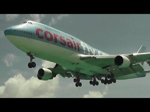 Landings at St maarten Airport, The best Airport in the World HD 1080p