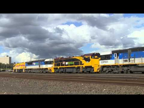 "ARG's AC4308 stars in a ""drive by"" with 3 LDPs and an X class - Australian Locomotives & Trains"