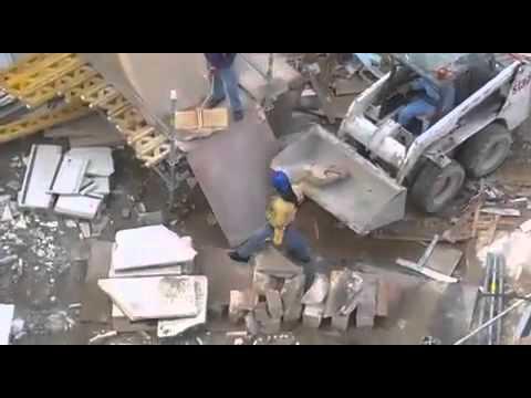 فيديو: شاهد إزالة أحد مباني العصر العثماني من الحرم المكي