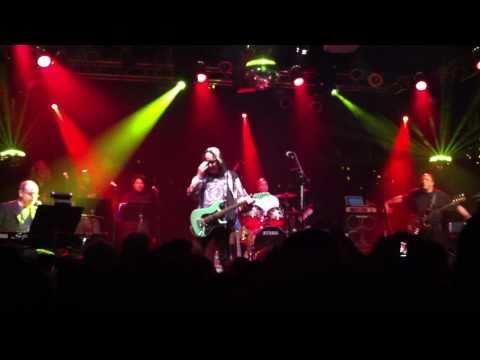 Todd Rundgren-s Utopia - Utopia Theme (2011 Reunion) [HD]
