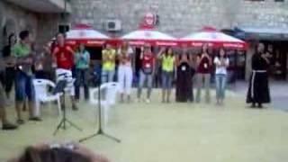Pjesma na Trgu fra Mije Runovića