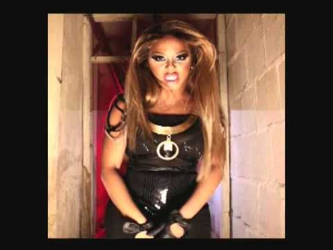 Lil' Kim - Warning (Black Friday Mixtape snippet)
