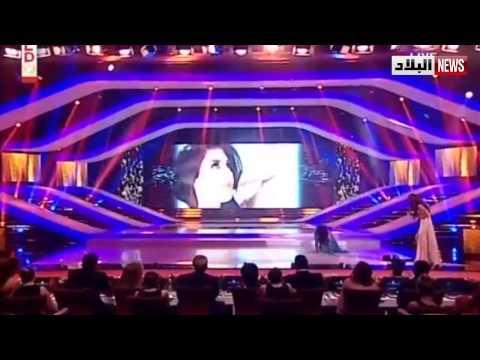 شاهد فيديو محرج.. ملكة جمال لبنان تنزلق على المسرح