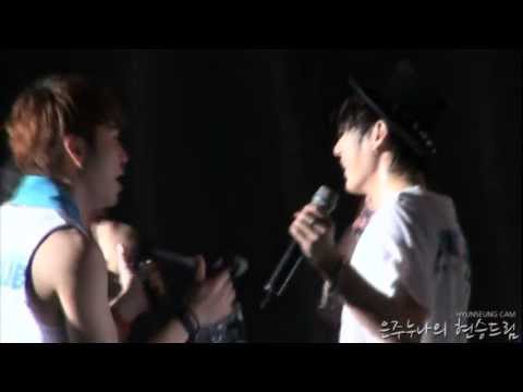 [Fancam] 110814 BEAST Hyunseung taking his shirt off @ United Cube Concert