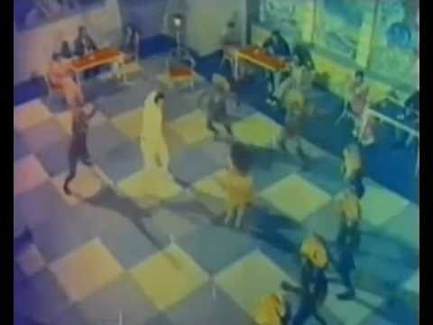 Dil Mein Badi Badi Baaten Hai - Kahin Aar Kahin Paar (1971)