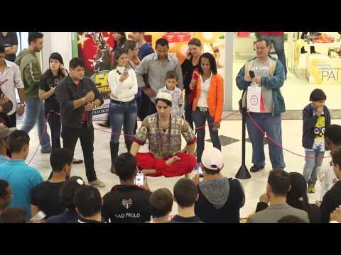 Levitação no Shopping 3 Américas