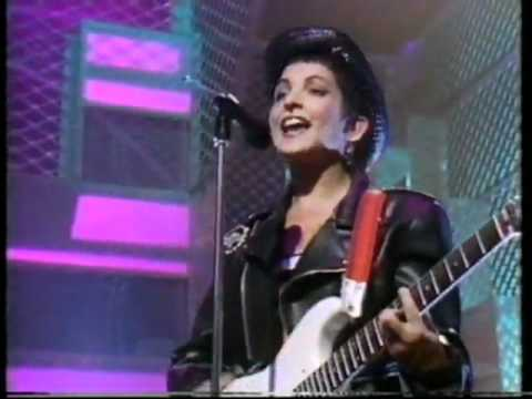 Jane Wiedlin - Rush Hour (1988 UK TV Performance)