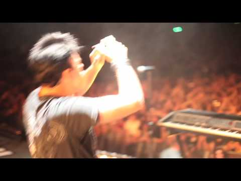 "NIN: ""Metal"" with Gary Numan, London 7.15.09 [HD]"
