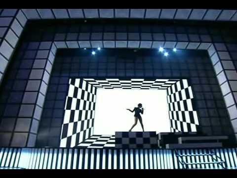 Performance Rihanna & Chris Brown