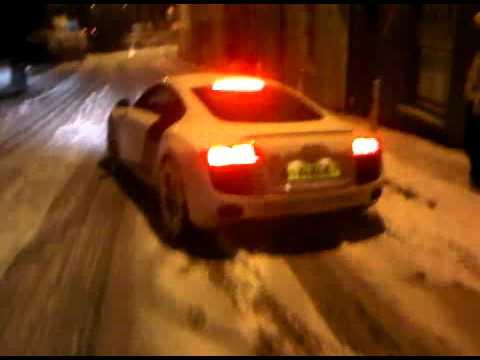 Audi R8 Ice Crash