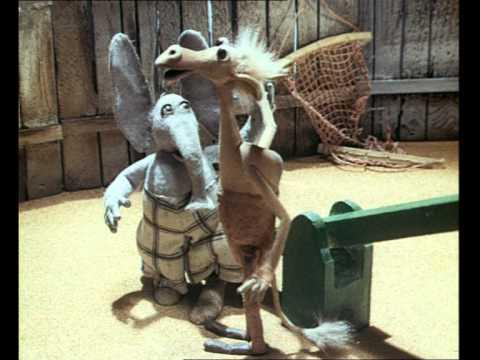 Летели два верблюда