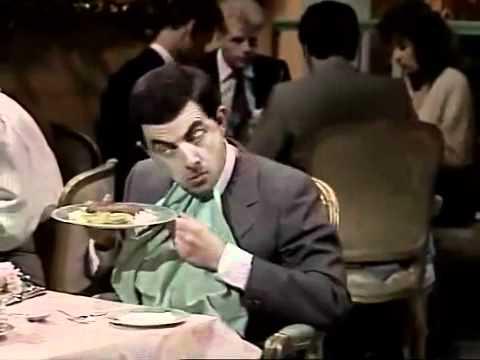 مستر بين في المطعم